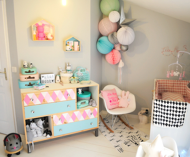 gazette d 39 une maman le blog deco chambre bebe pastel. Black Bedroom Furniture Sets. Home Design Ideas